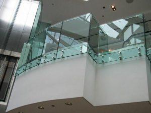 شیشه کرتین وال
